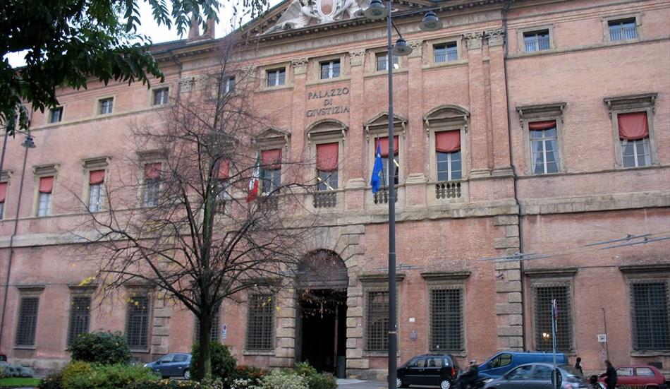 BOLOGNA: CIRCONVENZIONE DI INCAPACE, AVVOCATA SOSPESA