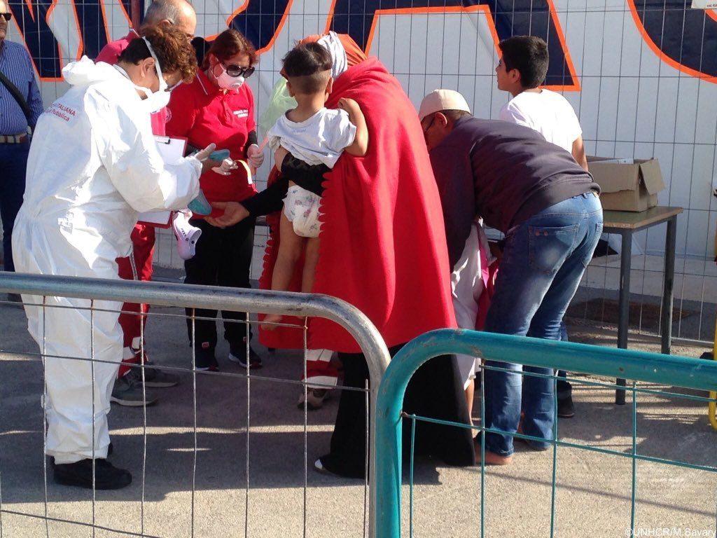 Ancora sbarchi a Lampedusa, il sindaco invoca lo stato d'emergenza