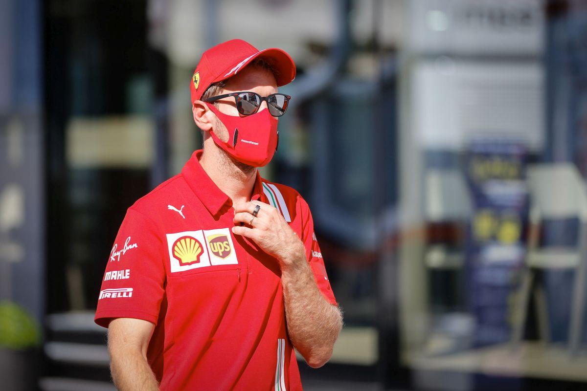 """Formula 1, Vettel firma per l'Aston Martin """"Orgoglioso e felice"""""""