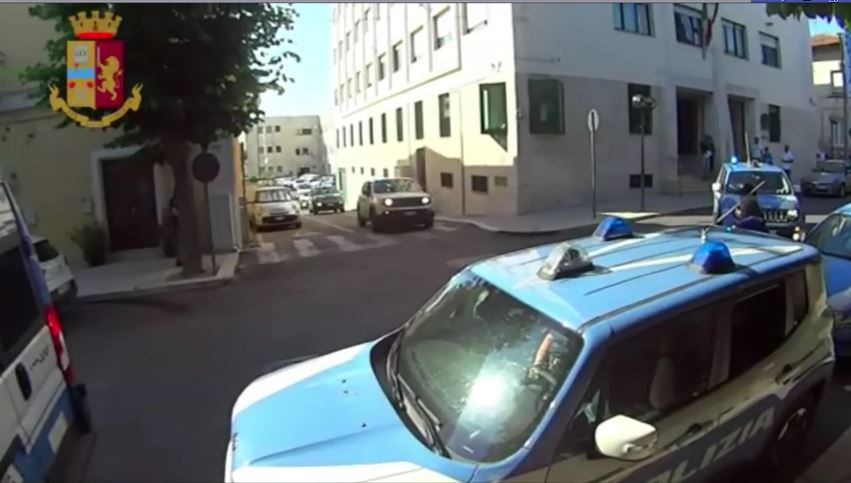 Violenza sessuale su due turiste minorenni nel Materano, 4 arresti