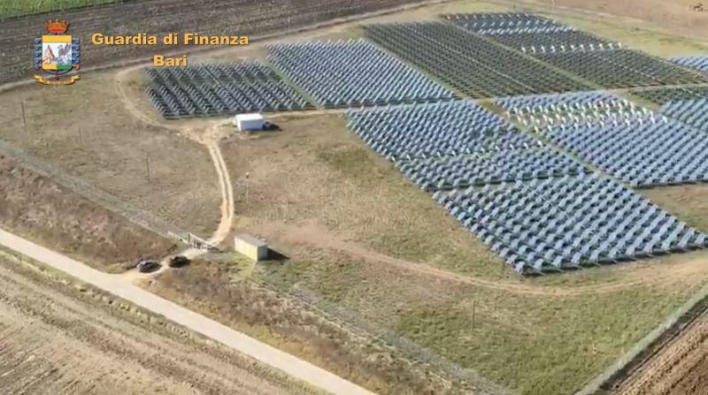 Incentivi statali per il fotovoltaico, scoperta maxi truffa da 40 mln