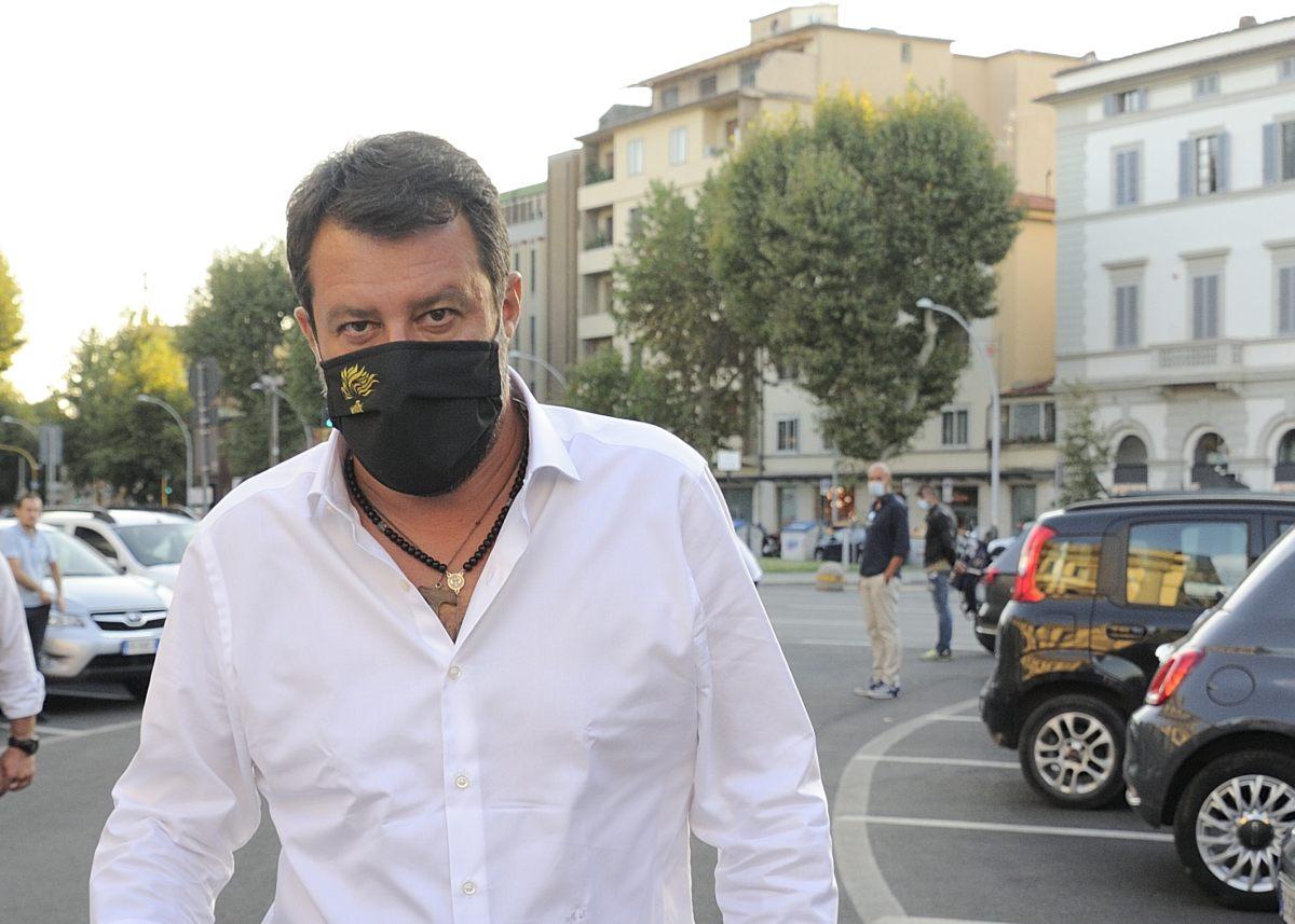 """Lega, Salvini """"Apriamoci alla società, serve rivoluzione liberale"""""""