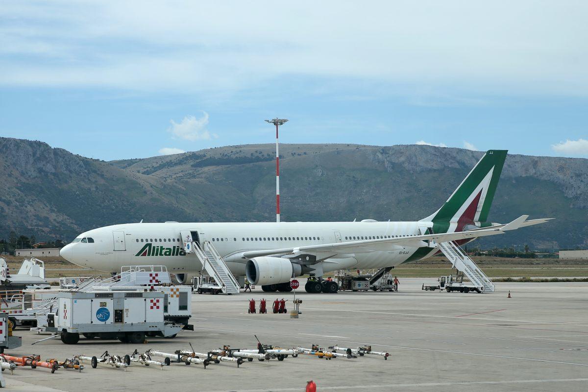 Alitalia, firmato il decreto per la Newco