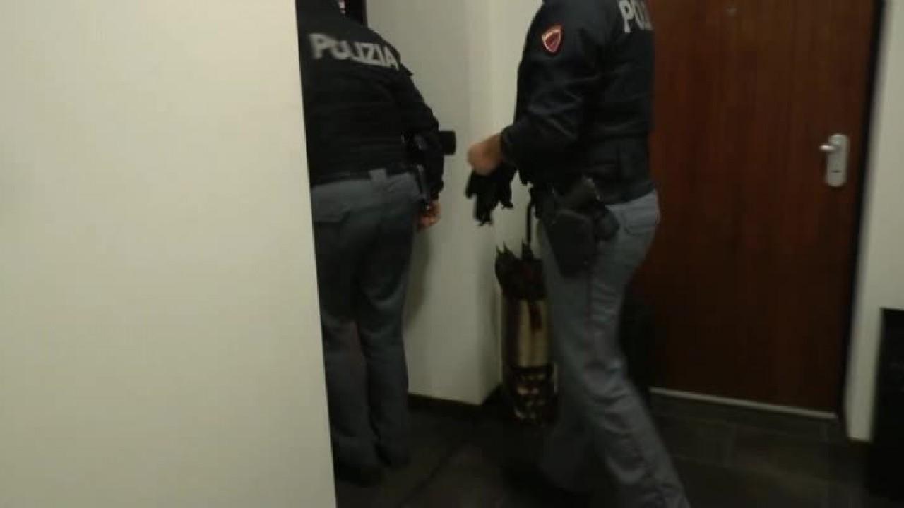 Sequestrato arsenale di armi, 4 arresti