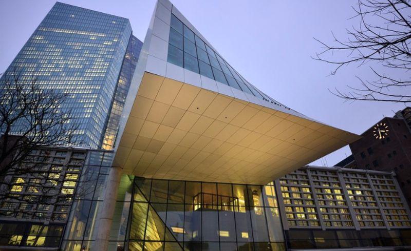 Bce, la pandemia frena la ripresa