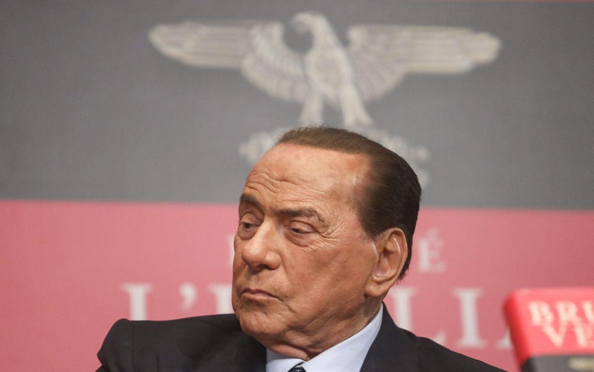 """Berlusconi """"Collaboriamo ma servono risposte su vaccini e recovery"""""""