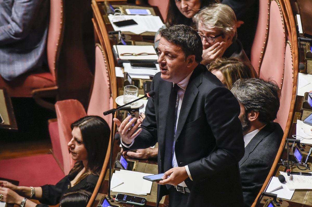 """Governo, Renzi """"Non vogliamo poltrone, pronti a lasciare le nostre"""""""