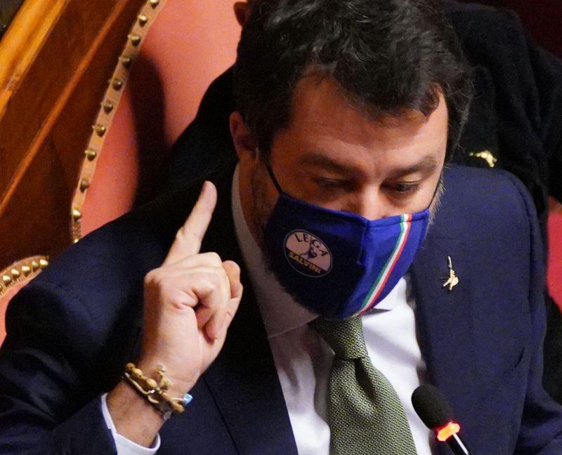 """Salvini """"Mai con Pd e M5s al governo,il centrodestra può avere i numeri"""""""