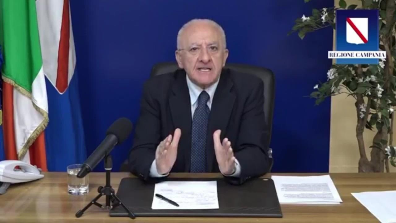 "De Luca ""In Campania daremo una tessera a chi si vaccina"""
